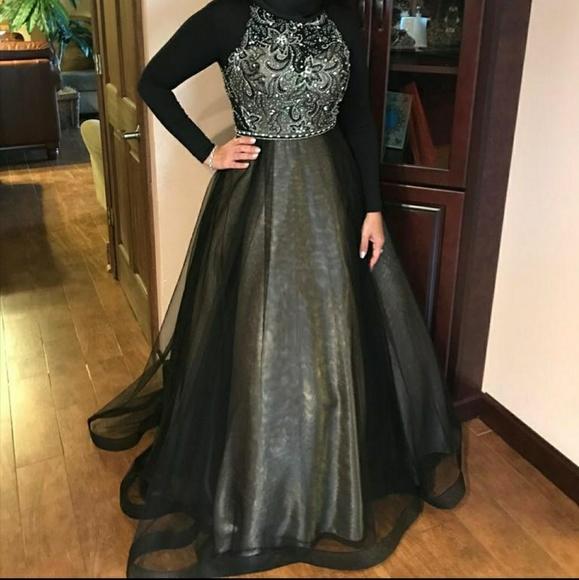 Dresses & Skirts - Evening gown/ dress